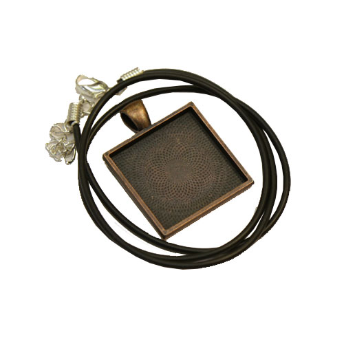 Square antique effect pendant 25mm x 25mm